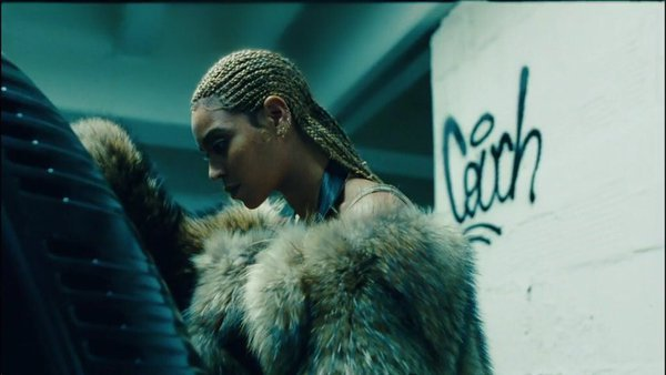 "Beyonce' Premieres ""LEMONADE"" on HBO & Drops Surprise Album on TIDAL"